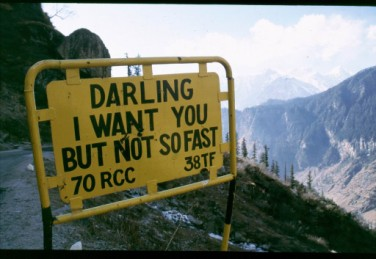 10 13 25 06-12-03 India road sign \'darling...\'.jpg