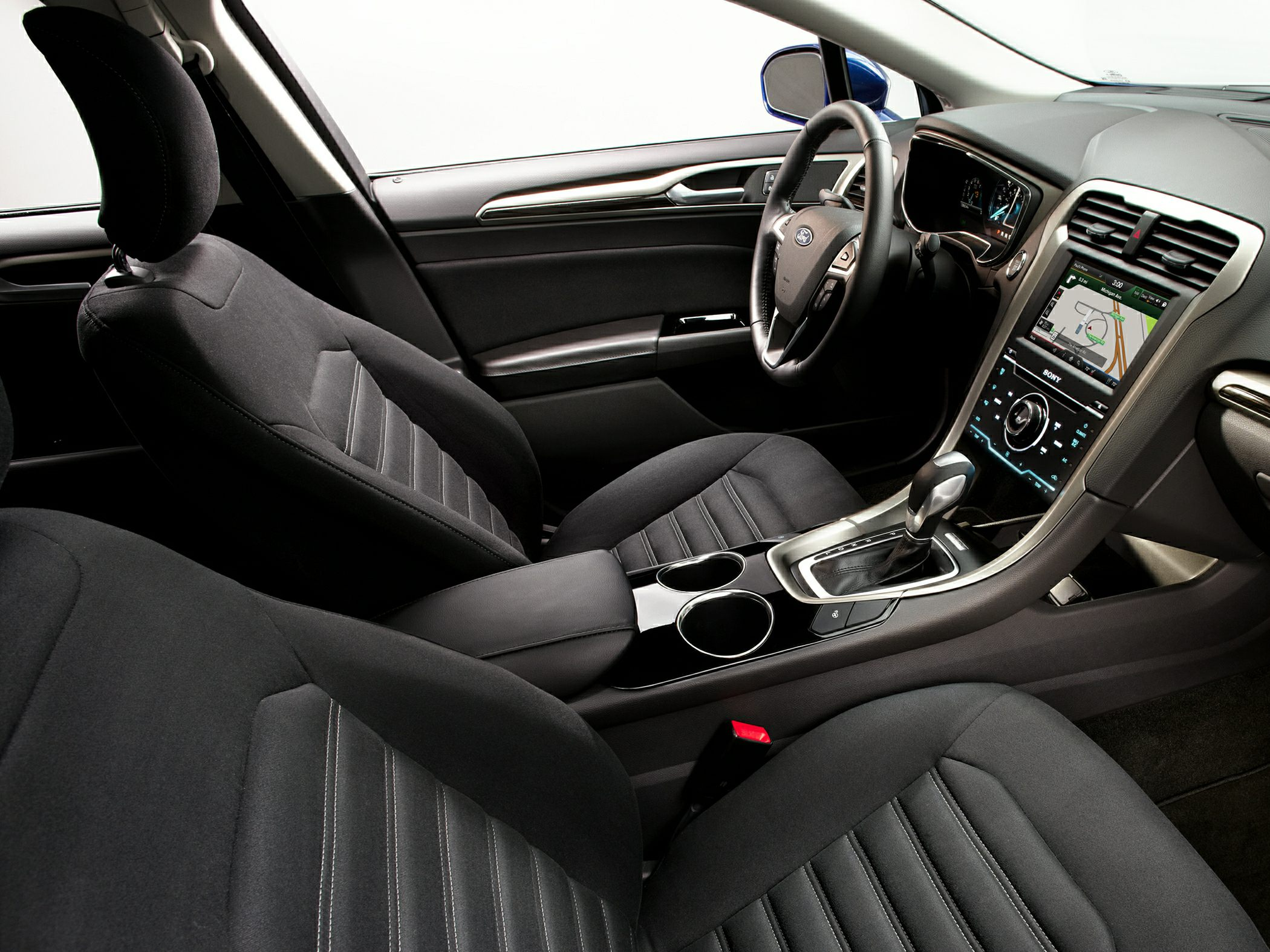 2014 Ford Fusion interiors.jpg
