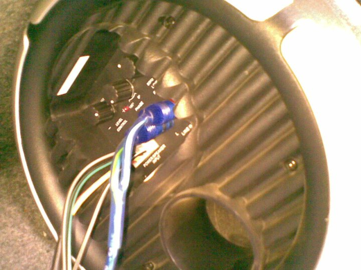 alto mega audio bass tube wiring.jpg